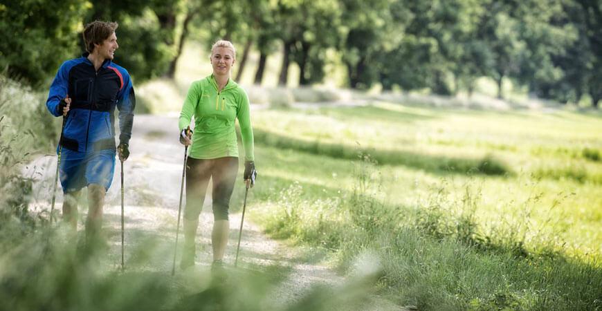 Скандинавская или обычная ходьба